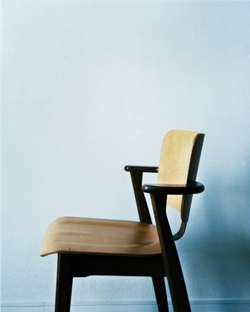 今回のイベントの主役は「ドムス チェア」。アルテックのロングセラーアイテムとして愛されている椅子です。