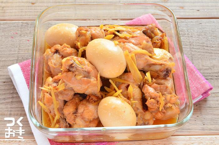卵を半分に切って入れるとお弁当箱の中も一気に華やかに。酢も入っているので、お弁当にもおすすめのメニューなんです。