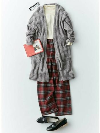 """素材、色、柄の選び方次第で、簡単に秋らしいコーディネートが完成しますよ。定番の""""パンツスタイル""""も、秋仕様に衣替えしてみましょう!"""