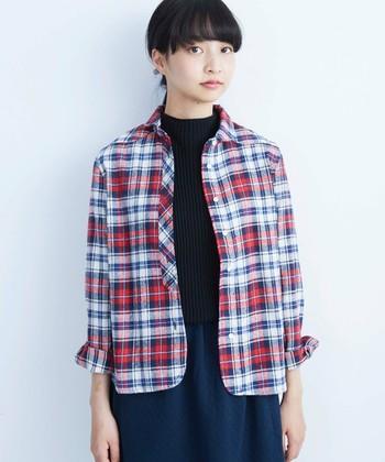 いかがでしたか?一枚で着るのはもちろん、羽織りとしても、インナー使いにも活躍するのがシャツの魅力です。素材や色、柄で秋を意識すると、旬なシャツスタイルが仕上がりますね。