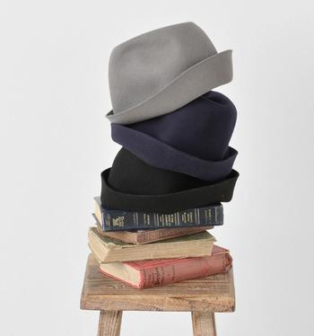 物足りないと思ったらプラスして。被るだけでスタイリングがしっくりくる帽子たち。