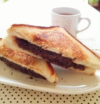 名古屋のモーニングといえば「小倉トースト」こちらはこんがりと揚げ焼きをしたものです。朝食が楽しみになりそう♪
