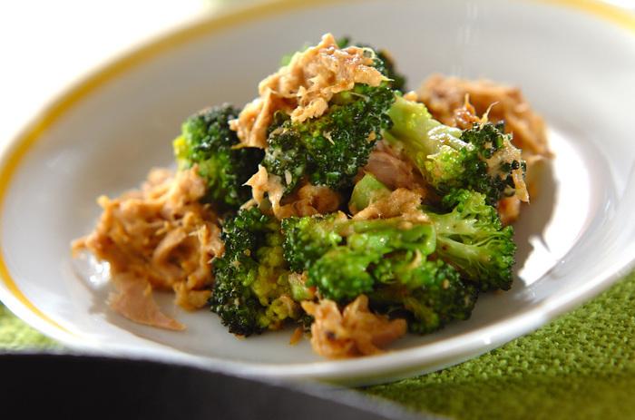 お弁当の定番・ブロッコリーは、つい「ゆでるだけ」になりがちですが、ちょっと工夫すれば立派なおかずに変身します。