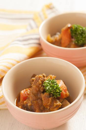 カルビチムとはかつて宮中料理の一つとして、王様も食べたとされており、韓国ではお祝い料理として振る舞われるそう。韓国料理らしく唐辛子が効いていて、身体もポカポカに♪