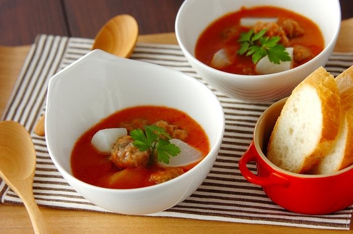 肉団子とカブが入ったイタリアン風スープ。まろやかな味わいの秘密は、甘酒です。
