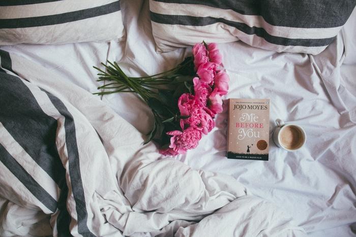 大好きな花の香り、アロマ、お気に入りのお菓子など、まずは五感から「癒し」を取り入れて、疲れた心と身体をほぐしましょう。週末には何を食べよう、どんな本を読もう……。そんなことを考えるだけでも、毎日に少しハリが出てくるような気がしませんか?