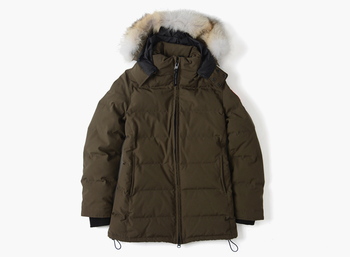 おしりまですっぽり隠れるベルビル。寒がりさんも満足できる、とても暖かいデザインになっています。首元もしっかり守ってくれるので、北風が吹いてもへっちゃら。ロング丈のダウンジャケットは、スタイルを良く見せる効果も期待できます。