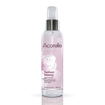 オーガニック認定を受けた「Acorelle」の香水は、100%ナチュラル原材料を使用して作られています。オーガニック香水は香りが薄いものもありますが、Acorelleの香水はしっかりと香るのが特徴。100%天然のエッセンシャルオイルを使った優しい香りに思わずうっとり。