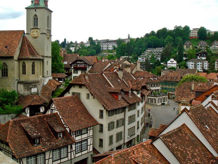 中世の面影を色濃く残す旧市街は、その街並みの美しさから、世界遺産に登録されています。