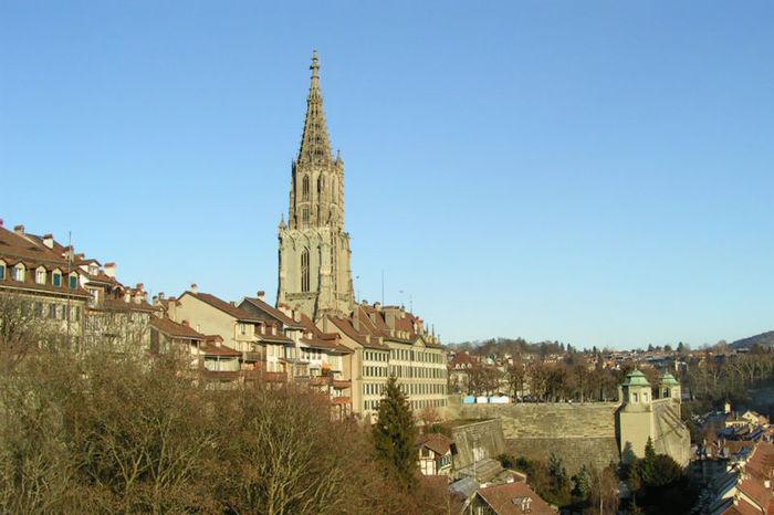高さ100メートルを誇る尖塔を持つ、ゴシック様式の建造物、ベルン大聖堂は1421年に建てられたものです。