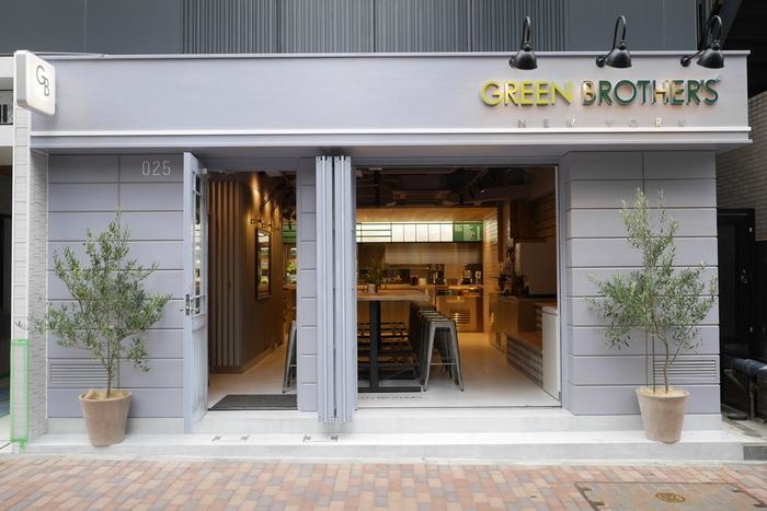 恵比寿のお店は入口が大きく、入りやすい印象。なかなか馴染みのないサラダボウル専門店でも気軽に入れそうです。