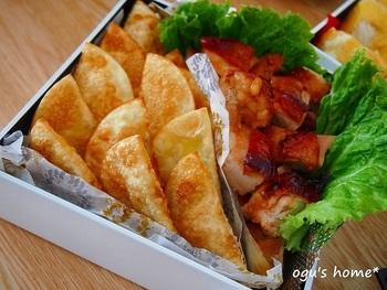 餃子の皮レシピは、食べやすいサイズに作れるのも魅力です。 持ち寄りや、お弁当のおかずにもぴったり!