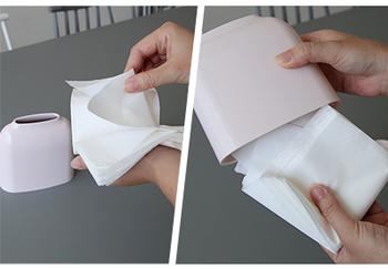 BOXティッシュのペーパーを厚さ2cmほど取って、一番上のティッシュをめくり上げて内側に二つ折りにしてセットすればOK。一輪挿しのようなフォルムと淡い色味がとっても素敵で癒されます。