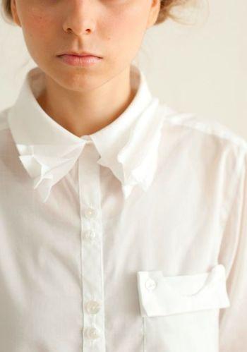 襟や袖の汚れ、黄ばみの取れなくなったものは買い替え時期です。シャツは流行りの変化が少ないので、状態の良いものは今後も使える可能性大です。