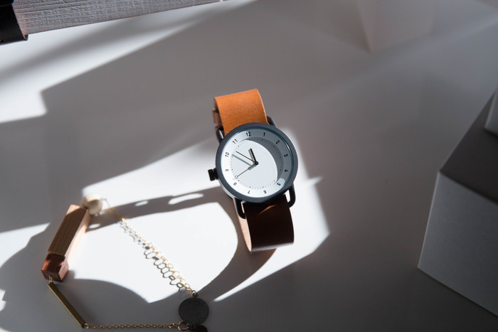 【TID No.1 Leather Wristband(革ベルト)文字盤:White 36mm/ベルト:Walnut】
