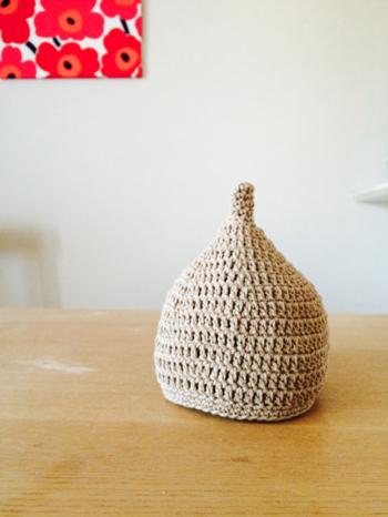 今回はどんぐり帽子の編み方と、手作り作家さんの作品、お手本にしたい素敵なデザインなどをご紹介します♪