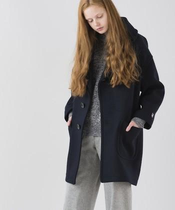 一概にチェスターコートといってもさまざまな形がありますね。いつものコーディネートを格上げしてくれるチェスターコート。自分にぴったりの形を見つけて、秋冬のおしゃれを楽しんでくださいね。