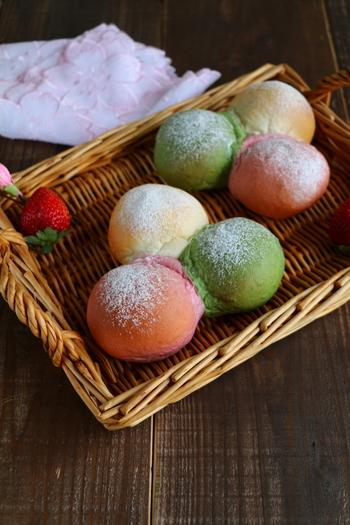 3色がかわいいちぎりパン。ちょっとしたお祝いのときに持っていってもいいですね◎