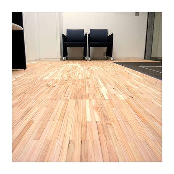 敷き詰めるとこんな感じになりますよ! こんなおしゃれな床もタイルだからこそ可能なんです。