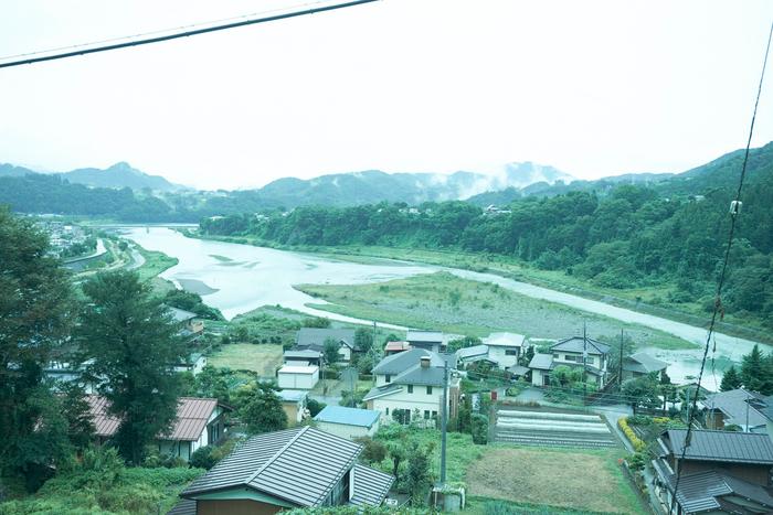 新宿からわずか一時間半で着く上野原。山と川が美しい場所です