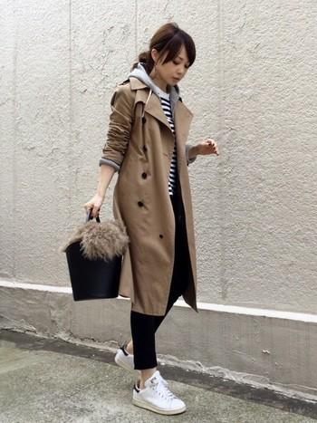 きちんとしたファッションに1枚はさむだけでちょっと雰囲気が変わるアイテムなので、ぜひあなたもこの秋、買い足してみませんか?