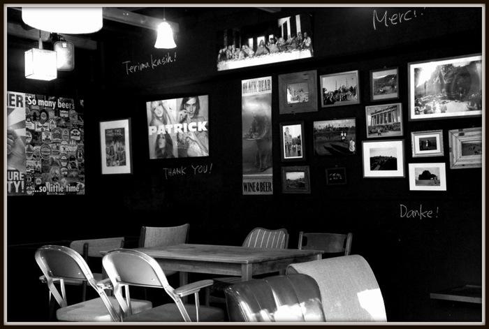 目黒川沿いには優しい日の差し込むカフェや個性的なお店が立ち並んでいます。聖林館やHIGASI-YAMAといった有名なお店も多く、お味に定評もあるんですよ。