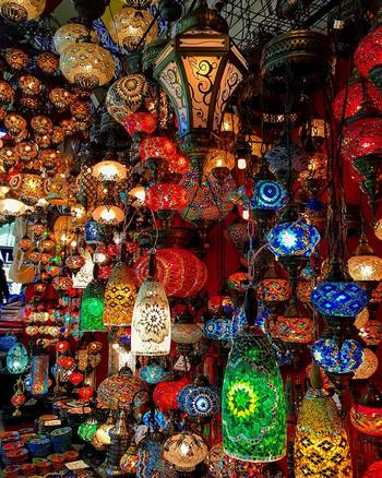 こんな素敵なランプも、トルコに来たなら一つはゲットしたいですよね。現地ならではの楽しみ方として、値段交渉をしてお手頃な金額で手に入れちゃいましょう♪