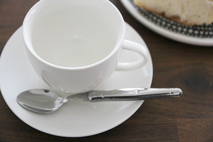 使い勝手の良いティースプーン。白い食器との清潔感ある組み合わせがgood。