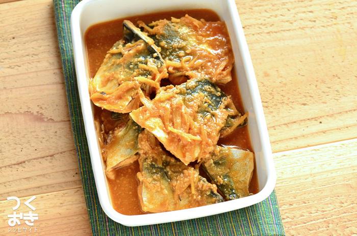 さばの味噌煮も作り置きして、お弁当に♪ほっこり癒される優しい味わいです。生姜を使っているので殺菌効果もありますが、さばは買ってきたらできるだけ早く調理しましょう。