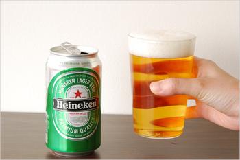 愛用している人の多いTHEのグラス。適度な厚みがあり、とても丈夫で使いやすいんです。冷えたビールの泡もきれいに見えますね。
