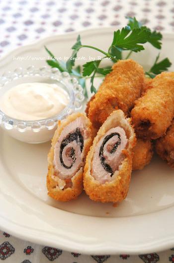 豚肉にシソを巻いてカリッとフライに。ニンニクと白だし入りのアリオリソースで召し上がれ。スペイン風と和風のコラボが楽しい一品ですね。