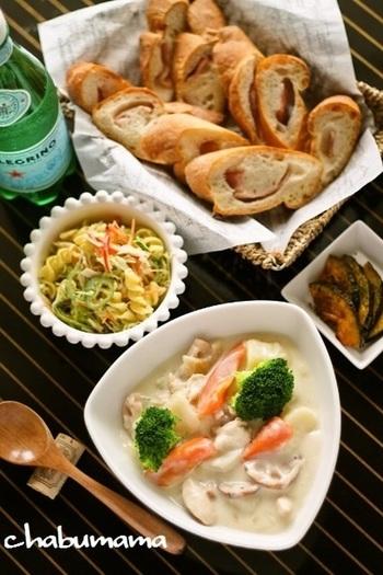 失敗しらずのホワイトソースのレシピも。クリームシチューで野菜も肉もたっぷりと。