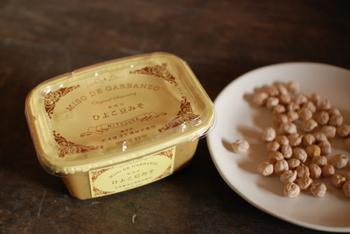 『ひよこ豆みそ』 大豆の代わりに有機ひよこ豆を使うことであっさりした味わい。シチューやパスタなどの洋食の調味料にも適していて、料理のアイデアが広がりそうです。