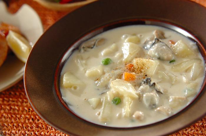 低脂肪高タンパクで、鉄分やミネラルを豊富に含む牡蠣。お鍋の定番・プリプリの牡蠣は、クリームシチューでも絶品です♪