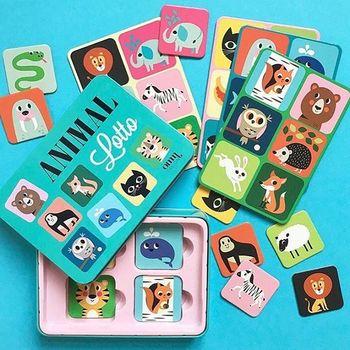 たくさんの動物たちが描かれたカード。絵合わせゲームですが、他にも動物や色の名前を覚えたりすることもできそうです。