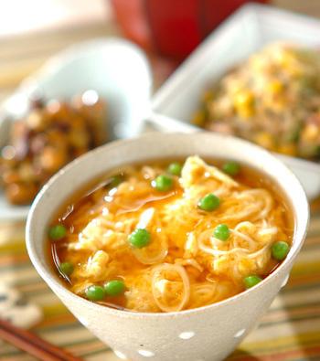贅沢なホタテ入りのどんぶりは、缶詰を使ってお手軽に。卵とホタテが仲良くふわふわ。