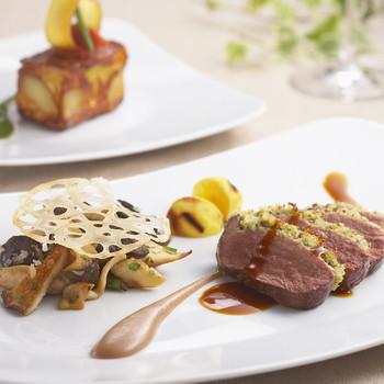 盛り付けのセンスの良さと、素材を活かした美味しさで、前菜からデザートまで大満足の本格的なプロヴァンス料理が味わえます。
