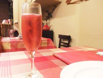 キールロワイヤルで乾杯したら、お食事の始まり♪