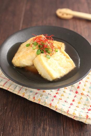 木綿豆腐をフライパンで揚げ焼きに。落ち着いた味わいが、ふわんと広がります。