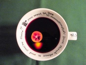 免疫力をアップしてくれる「キンカン」入りの、おいしいホットワイン。シナモンと生姜も入って、風邪知らず♪