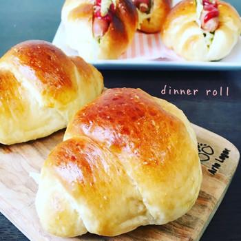 最初はやっぱりロールパン。そのまま食べても、野菜やお肉をはさんでも美味しいです!
