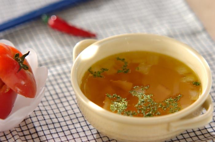 コンソメスープは、簡単に作れて失敗もない優秀スープ♪ほっと温まる優しい味です。
