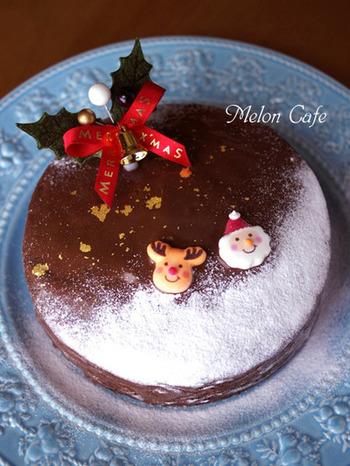 チョコレートは使わずに、ホットケーキミックスにココアパウダーと他の材料を全て混ぜて焼くだけ。ボール1つで作れます。