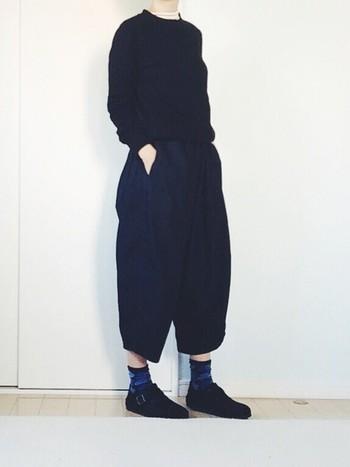 マリメッコのウニッコ靴下は、意外と使えるアイテム。いつものコーディネートに、ちょっぴりポップな雰囲気をプラスしたいときにおすすめです。