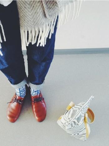 ほっこりかわいい靴下コーデ、すっきりきまるタイツコーデ、どちらも素敵で、今日はどちらでおでかけしようか迷ってしまいますね。靴下&タイツスタイルが楽しめる寒いうちにいろいろな着こなしに挑戦して、ナチュラルな足元コーデを存分に楽しんでみてください♪