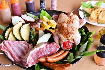 もちろん、バーベキューの食材やドリンクもいろいろなコースで準備されているので、体ひとつで豪華なデイキャンプ気分が楽しめます♪