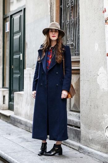 ロンドンの人が好むヴィンテージアイテムを取り入れたスタイル。味のある正統派な着こなしが洗練されています。