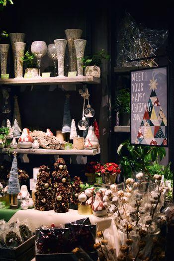クリスマスの準備も是非こちらで。かわいらしい雑貨の他、クリスマスリースは全5サイズ展開なので、自分らしい大きさを選べます。