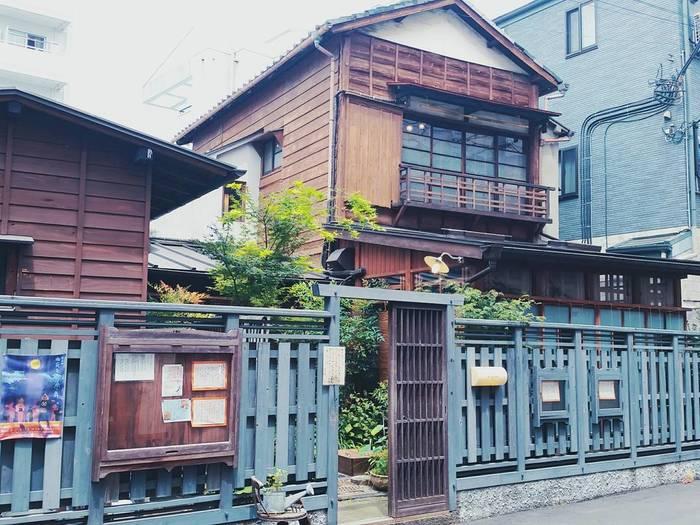 昭和の古民家をリノベーションしたお店「Re:gendo(りげんどう)」は西荻窪にあります。昔ながらの古民家の雰囲気がとっても素敵です。こちらでは野菜中心のヘルシーな和食を味わうことができます。