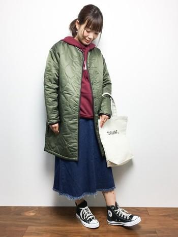 最近では、ライナージャケットのデザインイメージから作られたミリタリーな雰囲気が漂うキルティングコートもたくさん出ています!
